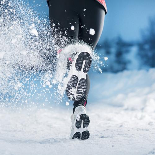 Ćwiczenia fizyczne zimą – jakich zasad przestrzegać?