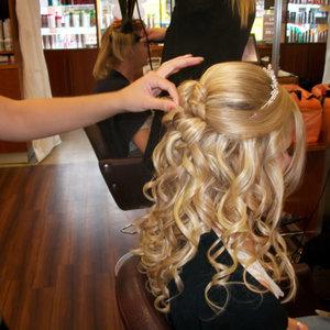 Jaką fryzurę wybrać na wesele?