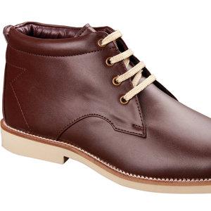 Dłonie i buty
