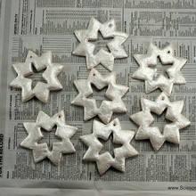 Jak wykonać świąteczne śnieżynki na choinkę z masy solnej?