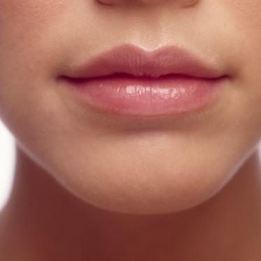 Czego można się dowiedzieć o kobiecie na podstawie kształtu jej ust?
