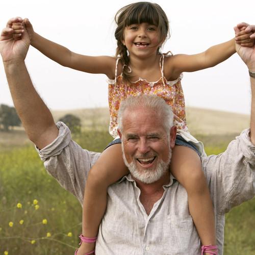 Jak przygotować laurkę dla dziadka?
