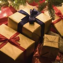 Jak zapakować prezenty w szary papier?