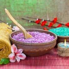 Jak wykorzystać aromaterapię do poprawy nastroju?