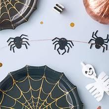 Jak wykonać girlandę z pająków?