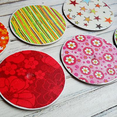 Jak wykonać kolorowe podstawki z płyt CD?