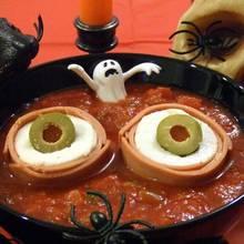 Krwawe oczy na halloweenowy obiad – jak zrobić?