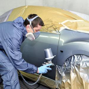 Jak poprawnie przygotować samochód do lakierowania?
