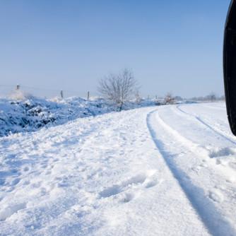 O co powinien zadbać właściciel samochodu przed nadejściem zimy?