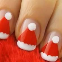Czapki Mikołaja na paznokciach – jak zrobić?