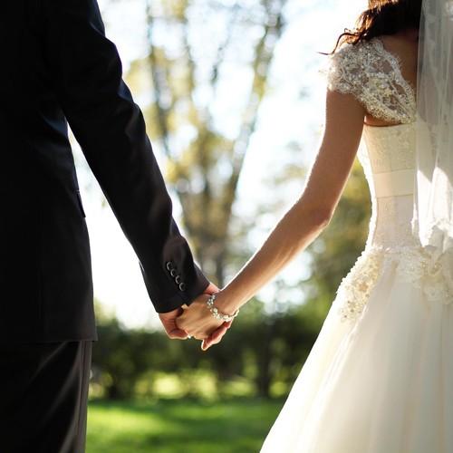 Jak zaoszczędzić na organizacji ślubu?
