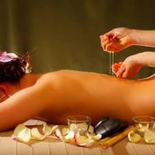 Zalety masażu miodem