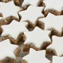 Smaczne gwiazdki cynamonowe – jak je przygotować?