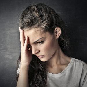 Jak rozmawiać z osobą z urojeniami prześladowczymi?
