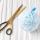 Bombka ozdabiana sznurkiem – jak ją zrobić?