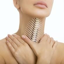 W jaki sposób wyjąć z gardła ość?
