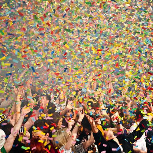 Jak przygotować ładne kolorowe konfetti?