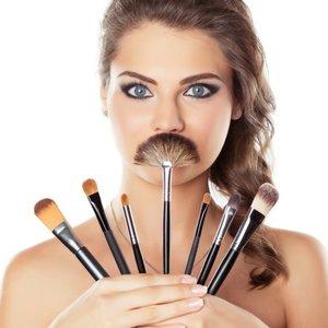 Czym najlepiej zmywać makijaż z twarzy?