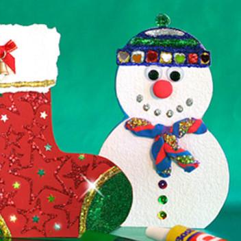 Jak wykonać samodzielnie kartkę świąteczną z motywem zimy?
