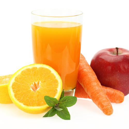 Jak przygotowywać zdrowe soki z warzyw i owoców?