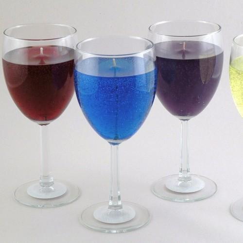 Oryginalne świeczki w kształcie kieliszka szampana