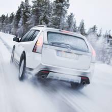 Zasady bezpiecznej jazdy samochodem zimą