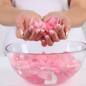 Jak przygotować tonik różany?