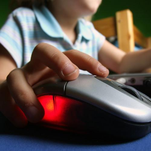 Bezpieczne korzystanie z Internetu – podstawowe zasady
