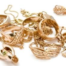 Jak nie zostać kobietą-choinką z nadmiarem biżuterii?