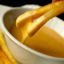 Jak przygotować sos serowy?