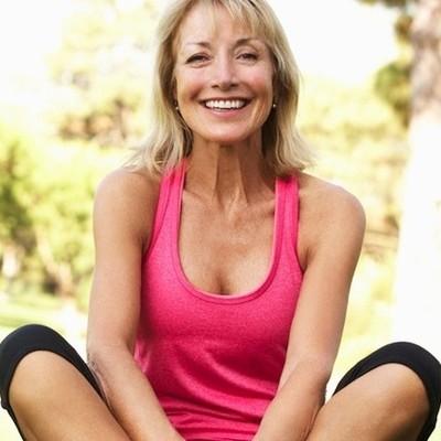 Jakie zmiany w diecie powinna uwzględnić kobieta po 40?