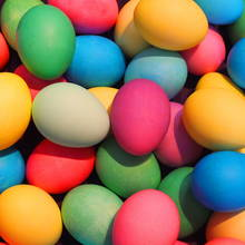 Ciekawe naturalne barwniki do jajek