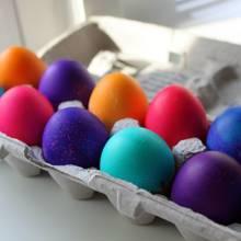 Jak zrobić kolorowe jajka za pomocą bibuły?