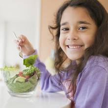 Przepis na sałatkę wielkanocną dla dzieci