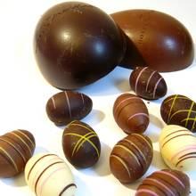 Przysmak na Wielkanoc – czekoladowe jajka z nadzieniem