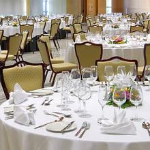 Sposób posadzenia gości na obiedzie komunijnym