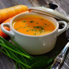 Jak przyrządzić wielkanocną zupę marchewkową?