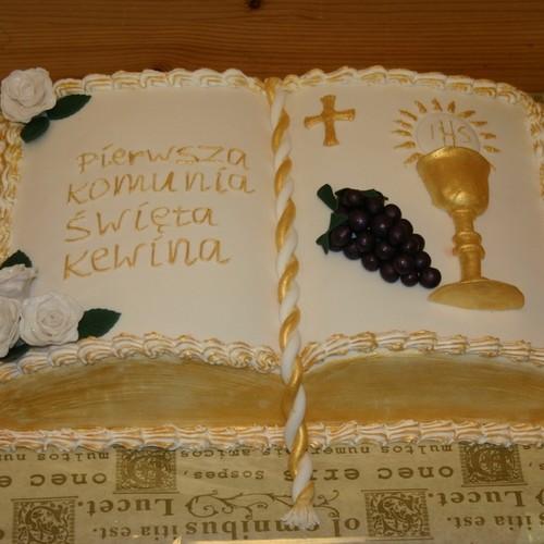 Jak wykonać tort komunijny w kształcie książki?