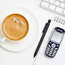 Jak wytrzymać w pracy bez kubka kawy?