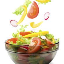 Smaczne sałatki poniżej 100 kalorii