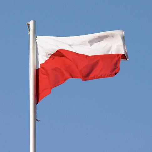 Jak wywiesić polską flagę – najważniejsze zasady