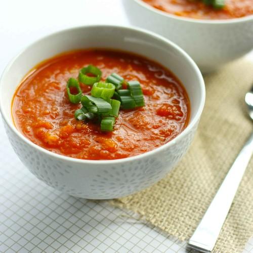 Smaczna zupa pomidorowa z ryżem