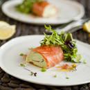 Zdrowe roladki z łososia ze szczypiorkiem