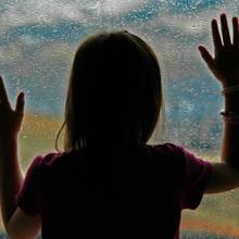 Jak zająć dziecku czas, kiedy pada deszcz?