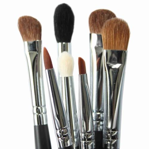 Skuteczny domowy środek do czyszczenia pędzli kosmetycznych