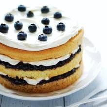 Doskonały podwieczorek – ciasto francuskie z jagodami