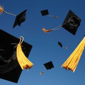 Jak świetnie bawić się na zjeździe absolwentów?