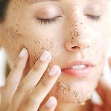 Skuteczne nawilżanie skóry latem