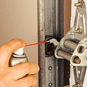 Zasady smarowania drzwi