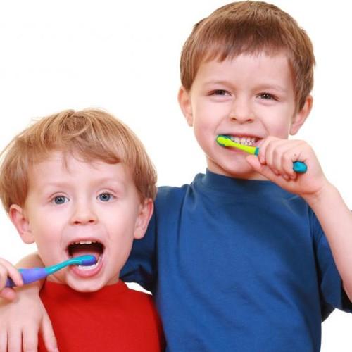 Jak pielęgnować zęby dziecka?